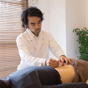 鍼灸治療風景